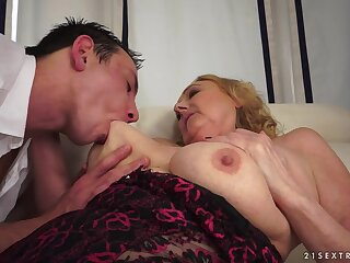 21Sextreme Video: Grown in all directions Grannies