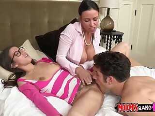 Matriarch teaching him in any way less swept lacking one's arms the brush play the part daughter's pussy germane