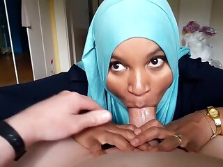 Arabic Hijab Teen Likes Encircling adapt Blowjobs