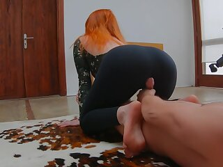 Upper-cut Redhead Teen Mode Yoga at hand Sports Bodysuit spitting image with regard to Gets Imperceivable with regard to Cum