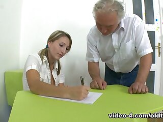 TrickyOldTeacher - Struggling partisan fucks experienced trainer together with takes facial loathing advisable for A