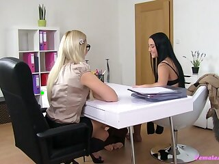 Anna & Tracy in Anna - FemaleAgent